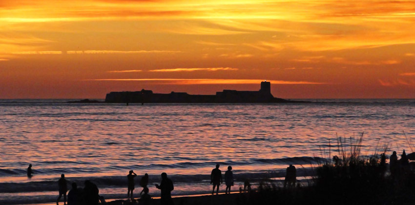 Best beaches in Cadiz: The Barrosa Beach Sunset in Chiclana | Sevilla con los peques